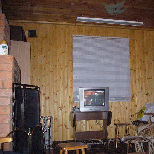 Пример, как не надо устанавливать ИК обогреватель (не рекомендуется рядом с окном)